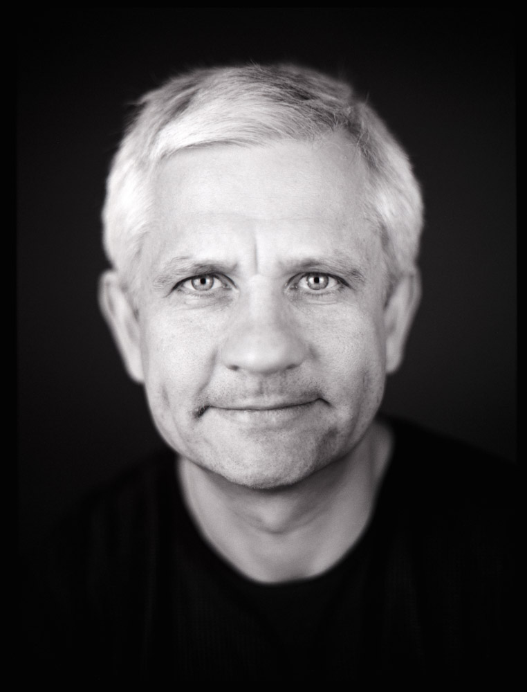 Analoge Portraitfotografie Ken Wagner Charakterportrait Close Up Mamiya 645 Schwarzweissportrait Hartmut Koch