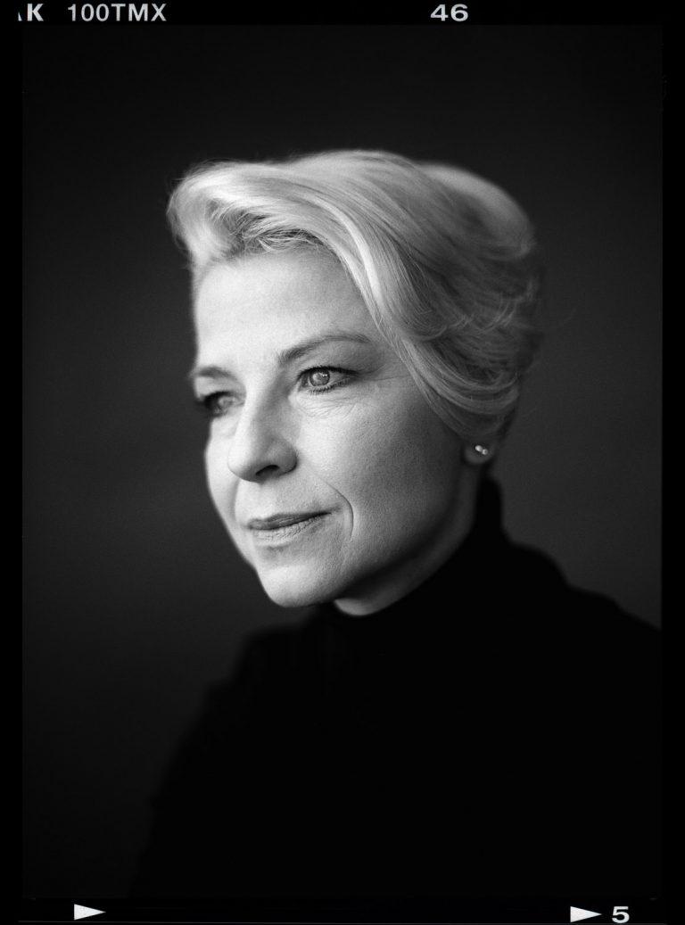 Seitliches Portrait, Portraitfotografie, Analogportrait, Analogstudioportrait