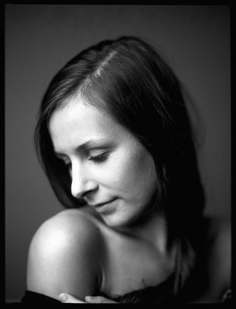 Studiofrauenportrait, Tmax-400, Fineartportrait, Portraitfotografie