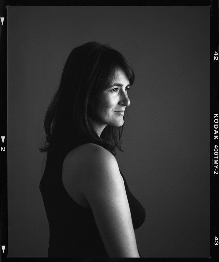 Portrait einer Schwangeren, Schwangerschaftsfotografie, Portrait auf Film FineArtportrait