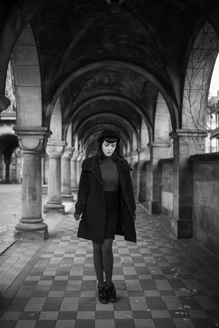 Portraitshooting, Portraitfotografie, Outdoorportraitshooting in der Kirche Dresden