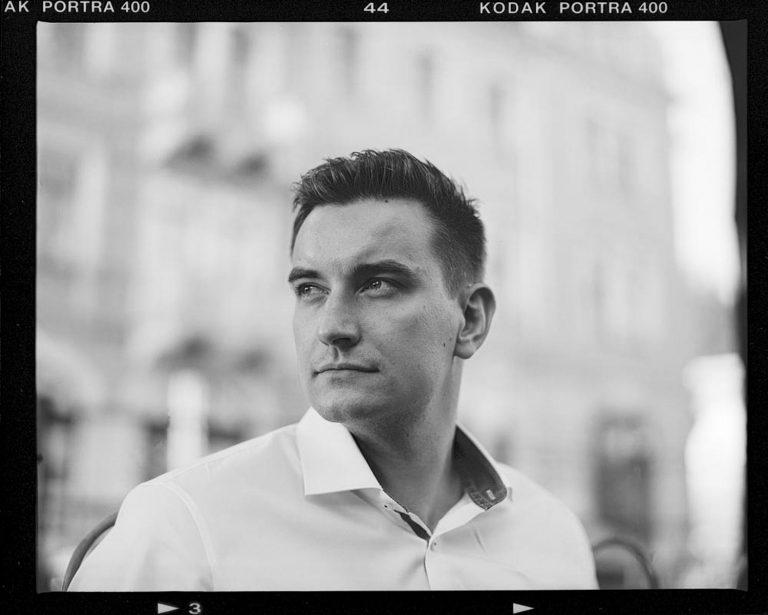 Bruce Becker, analoge Businessportraits in Loschwitz in Dresden, Mamiya Rz 67, Portra 400